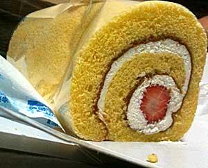 100430 純生苺ロールケーキ(ジョリクレール)