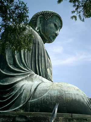 100502 鎌倉の大仏を斜め後ろから